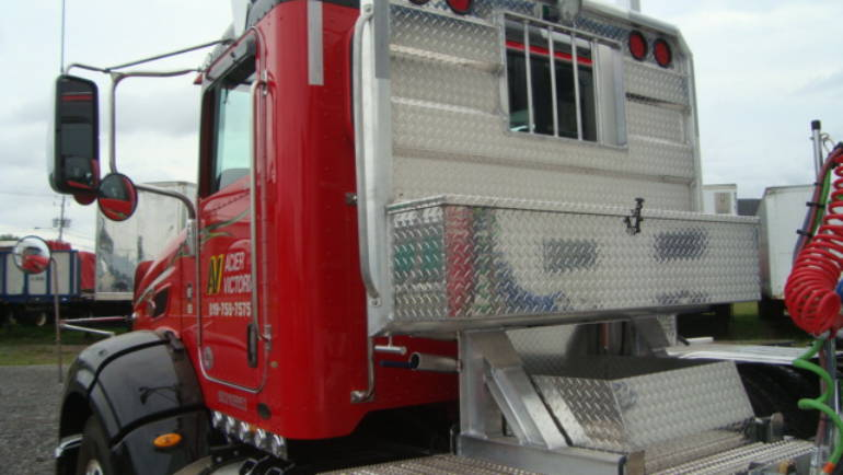 What is the purpose of a headache rack? The top 4 reasons why your truck should have one.