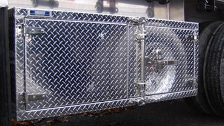 3 Arguments That Will Convince You To Buy Aluminum Tool Boxes For Your Semi-Trucks