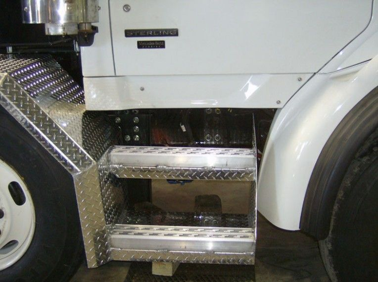 Truck Steps and Ladders